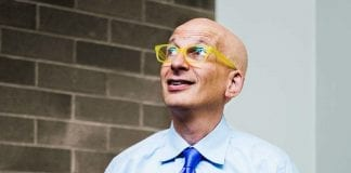 60 Inspirational Seth Godin Quotes On Success